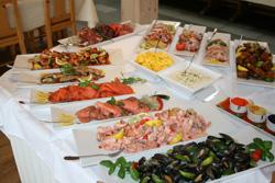 Lunsjbuffet-bordet på søndager pleier å se slik ut.